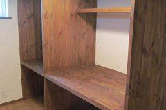 クローゼットの中の収納棚
