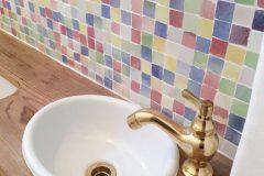 トイレの手洗とデザインタイル